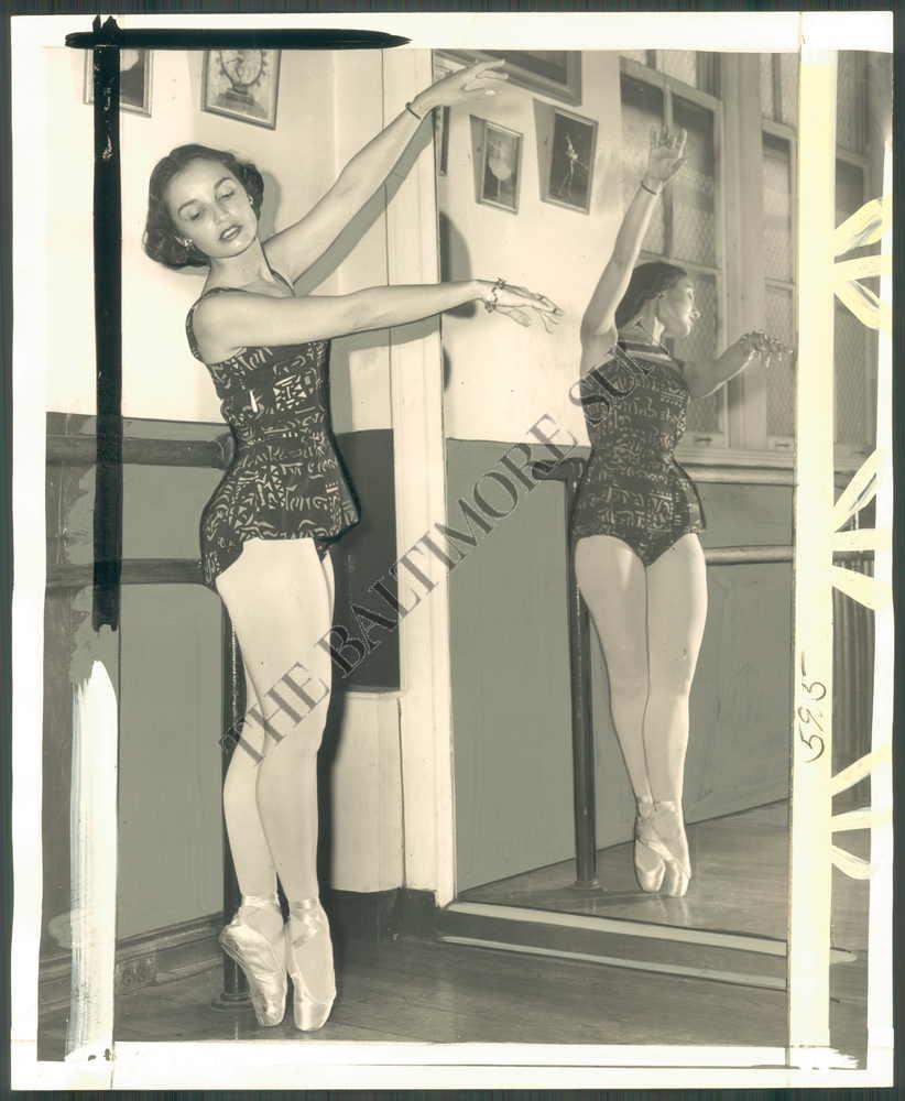 BS-PHOTO-hae-496-Moscelyne-Larkin-Dancer